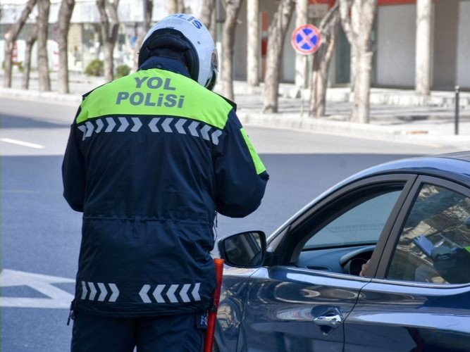 Baku police fine 1,499 drivers for breaching quarantine rules